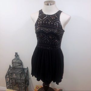 HOLLISTER BLACK AZTEC SEQUIN DRESS MEDIUM